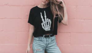 How to Style a Graphic T-shirt All Year Round article by Hydridfashion.com